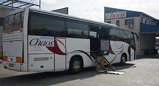 autobús adaptado a minusválidos